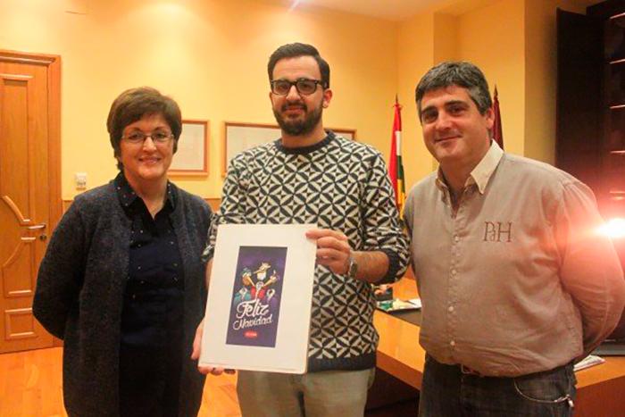 David Preciado junto a la alcaldesa de Alfaro Yolanda Preciado y el concejal de Cultura José Luis Segura